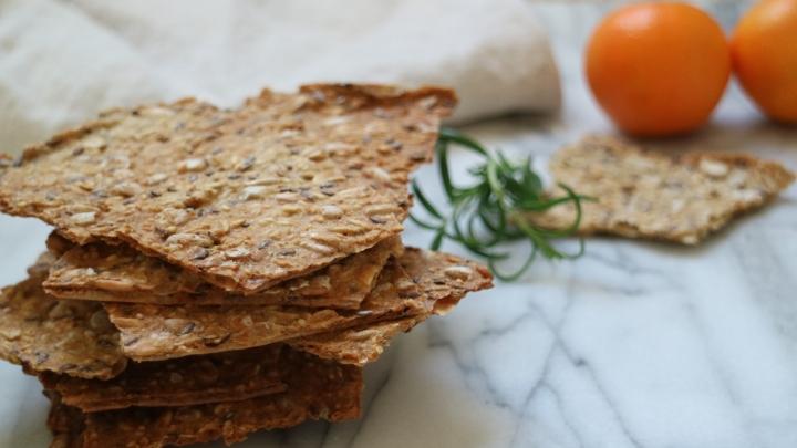 Scandinavian crisp bread(Knäckebröd)