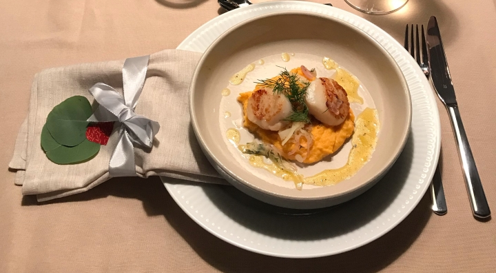 Grilled scallops with sweet potato purée, fennel and orange vinaigrette