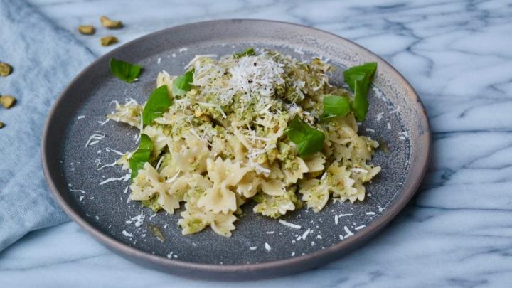 Pasta with broccolipesto
