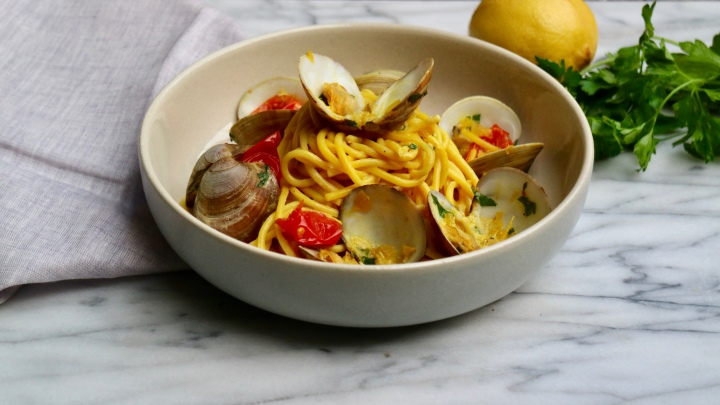Pasta with Littleneck clams andsaffron